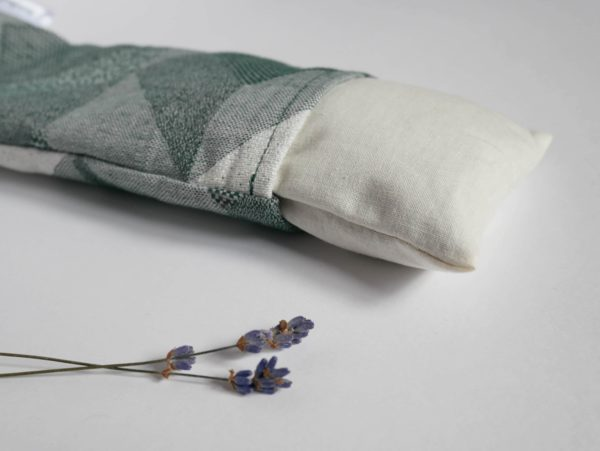 Coussin relaxant pour les yeux à la lavande et aux graines de lin bio locales fait à la main Les Barbaries